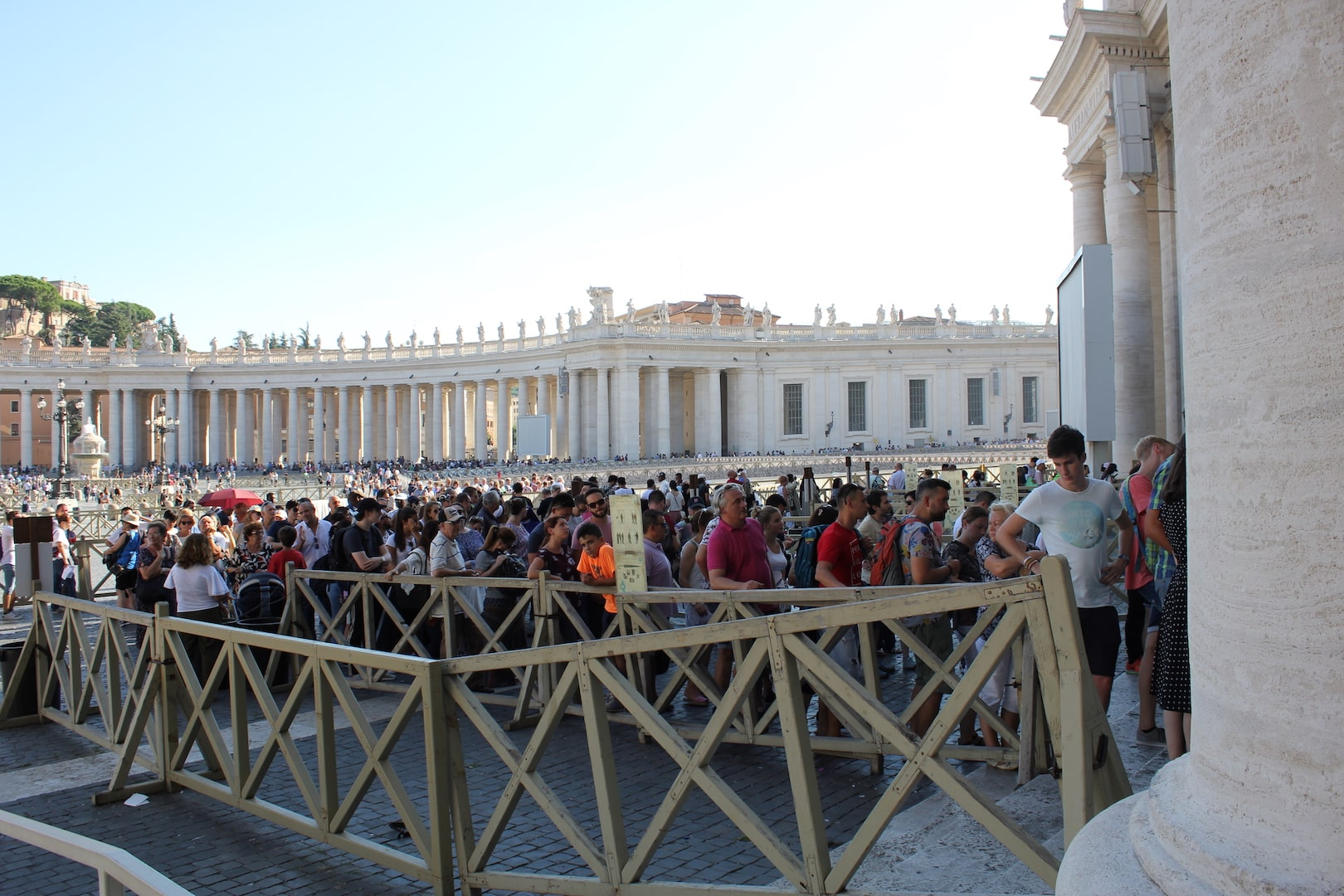 Visit Vatican City St Peter's Basilica tickets queue
