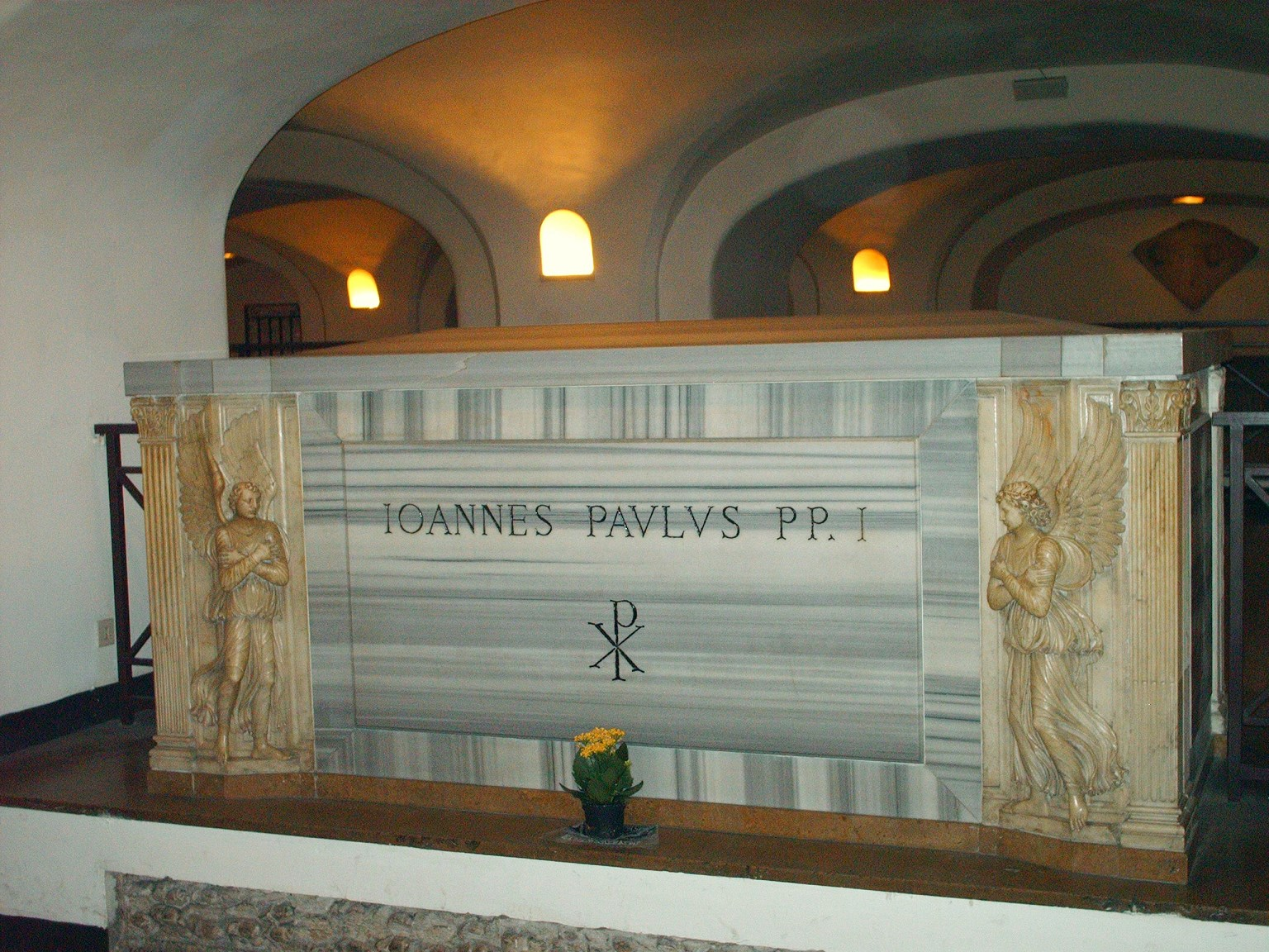 tips on visiting the vatican tomb of pope johannes paulusi
