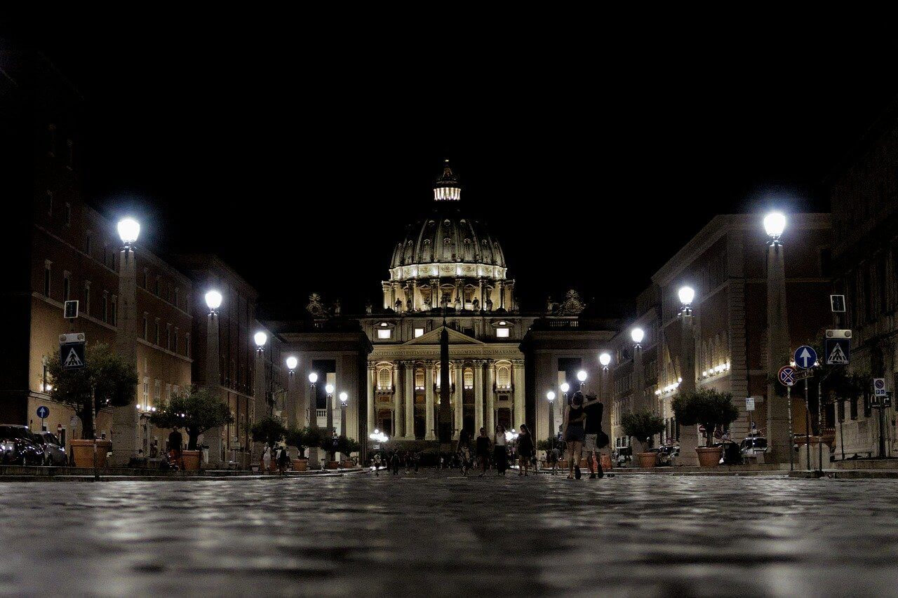 St Peter's Square at night